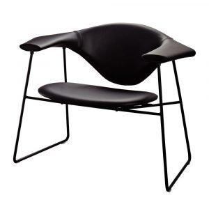 Gubi Masculo Lounge Chair Tuoli Savanne Musta