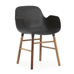 Normann Copenhagen Form Käsinojallinen Tuoli Musta / Saksanpähkinä