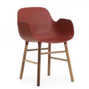 Normann Copenhagen Form Käsinojallinen Tuoli Punainen / Saksanpähkinä