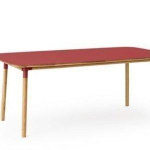 Normann Copenhagen Form Pöytä punainen/tammi 95x200cm